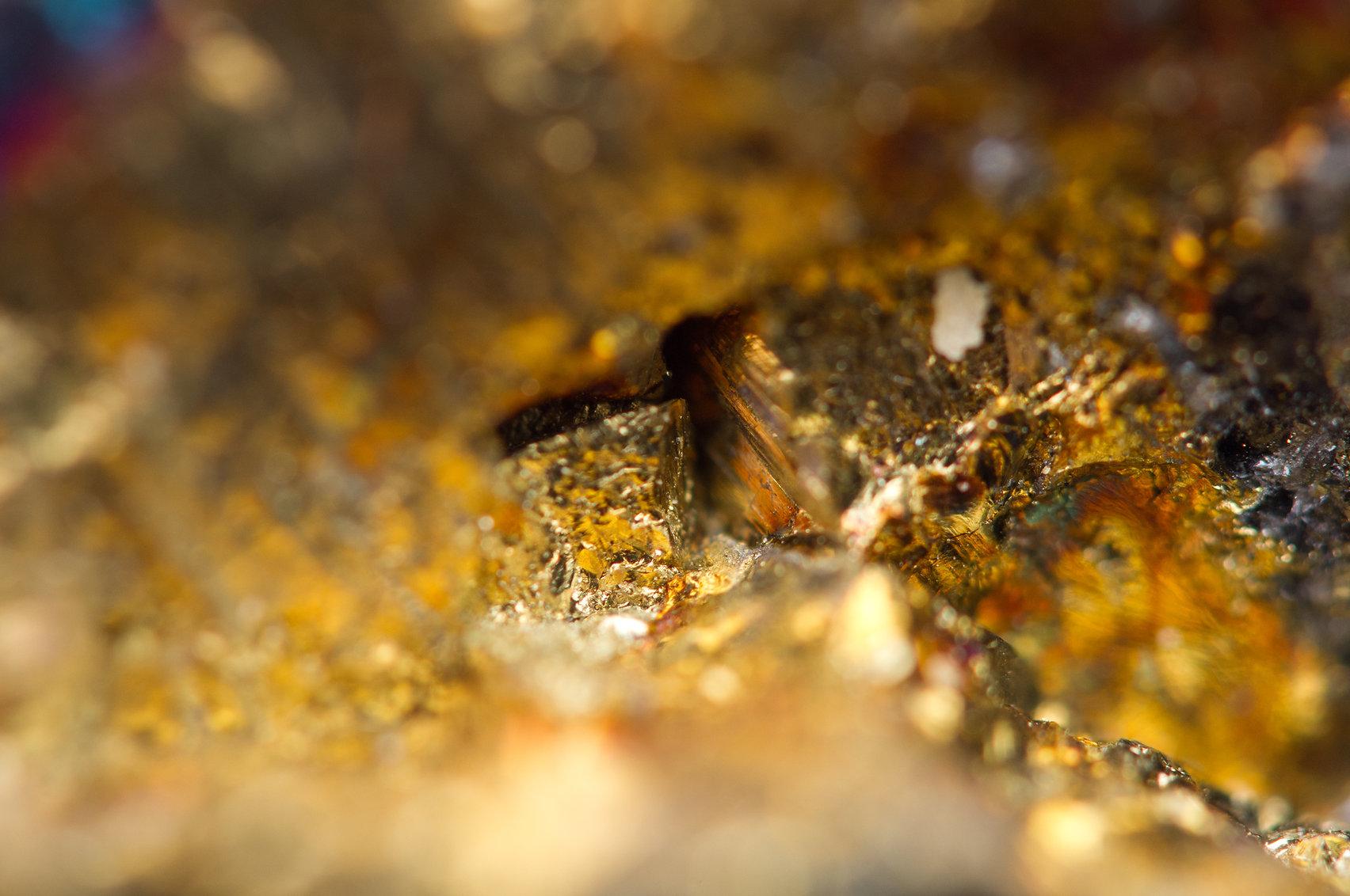 Gold nugget background (hi res).jpg