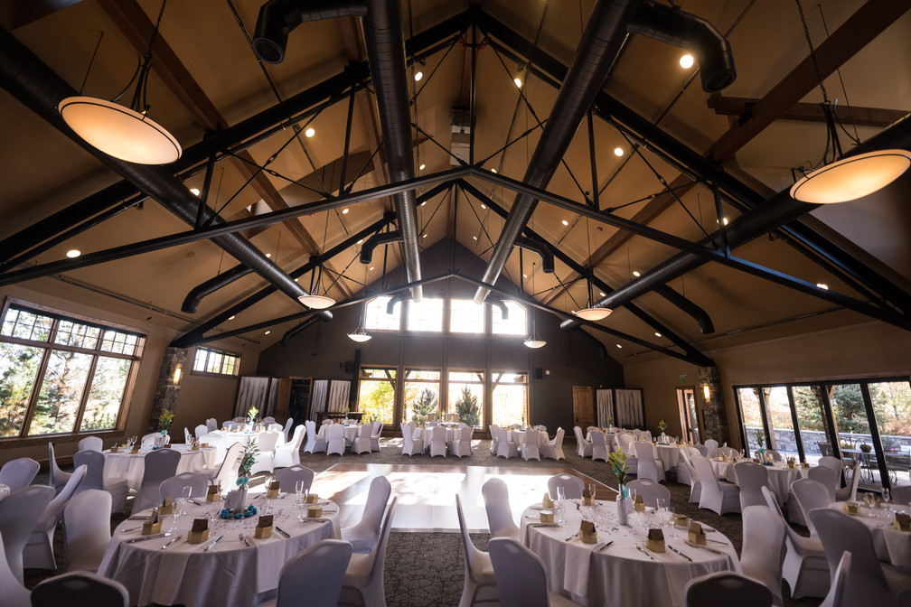 Kristi_and_Riley_Kominsky_Wedding_303-(ZF-5008-31417-1-001).jpg
