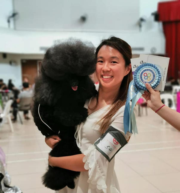 Char with Ana at a dog show