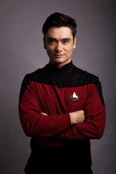 Press Shot - Rik Carranza presents Star Trek vs Star Wars