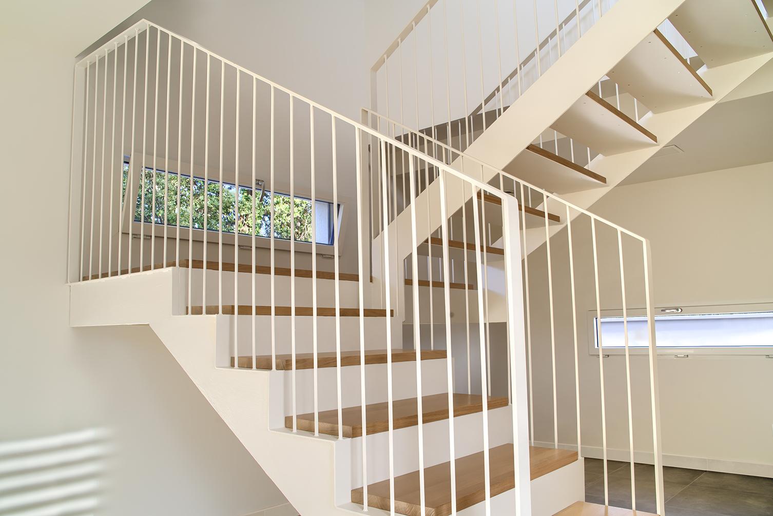 bgv escalera madera