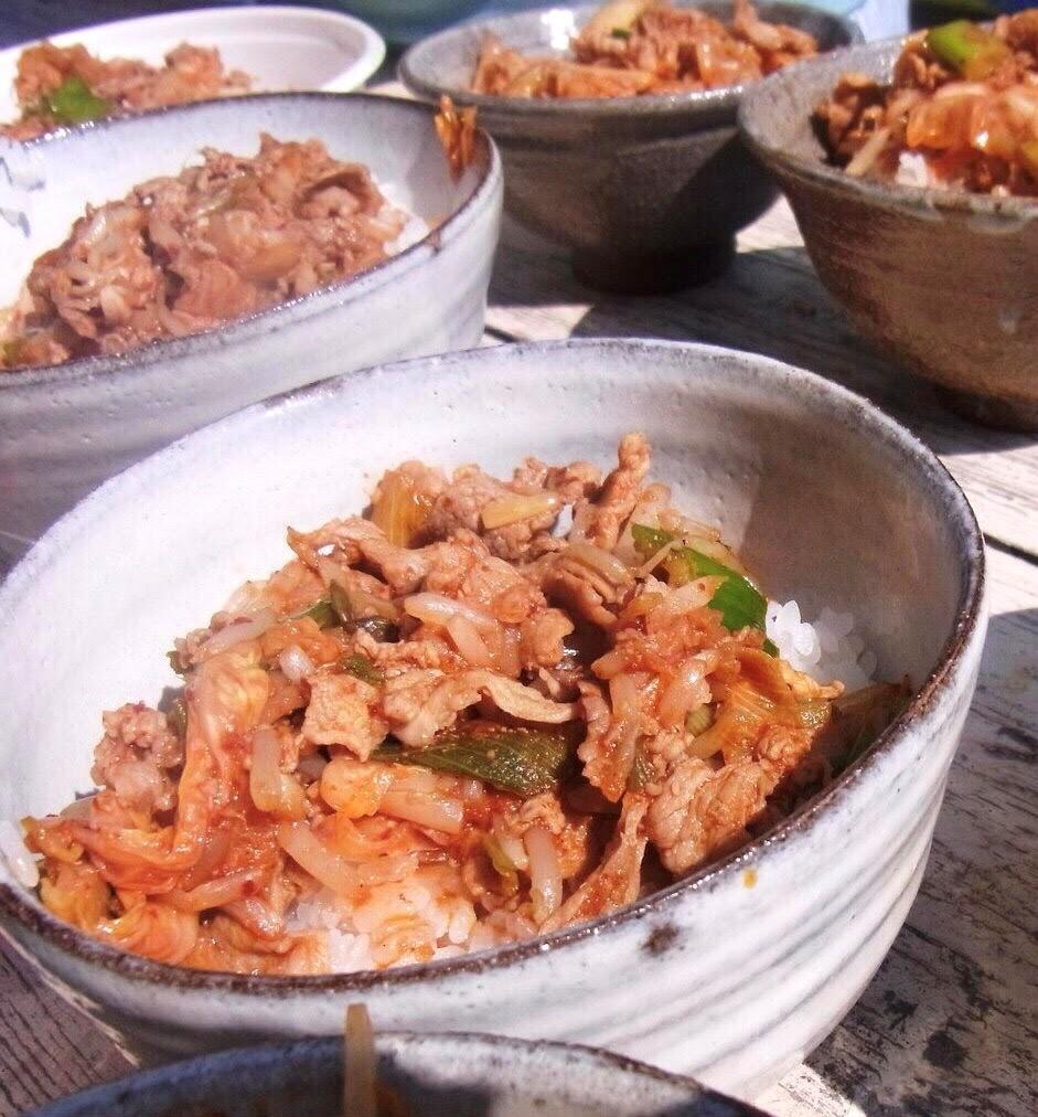 「豚キムチ丼」学園祭にて販売