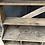Thumbnail: Étagère en bois brut