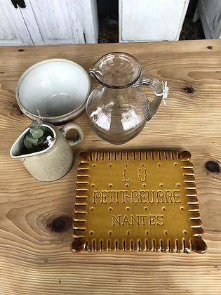 Dessous de plat publicitaire ancien Lu le Biscuit en céramique signé