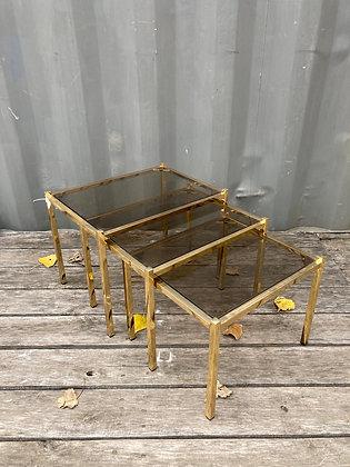 Trio de tables gigognes dorées