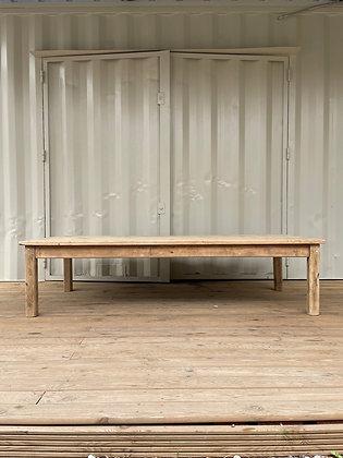 Grande table basse en bois brut