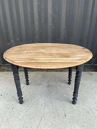 Table ovale à rabats papillon