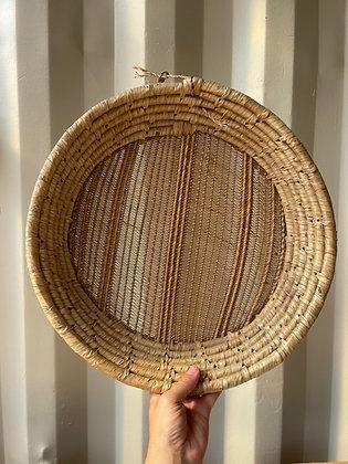 Ancienne panière en fibres naturelles tissées