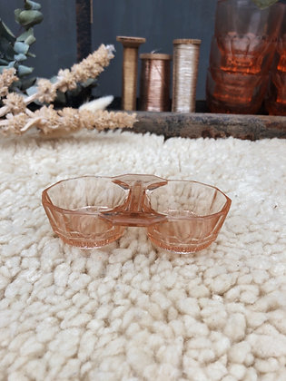 Saleron ancien en verre moulé rose poudré