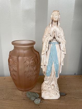 Ancienne vierge en plâtre