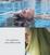 Eu, a piscina e meu cabelo verde