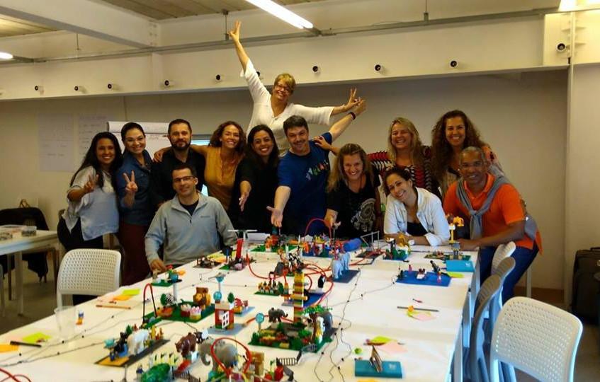 Sexta turma certificada na metodologia LEGO SERIOUS PLAY no Brasil em português. Novembro de 2016
