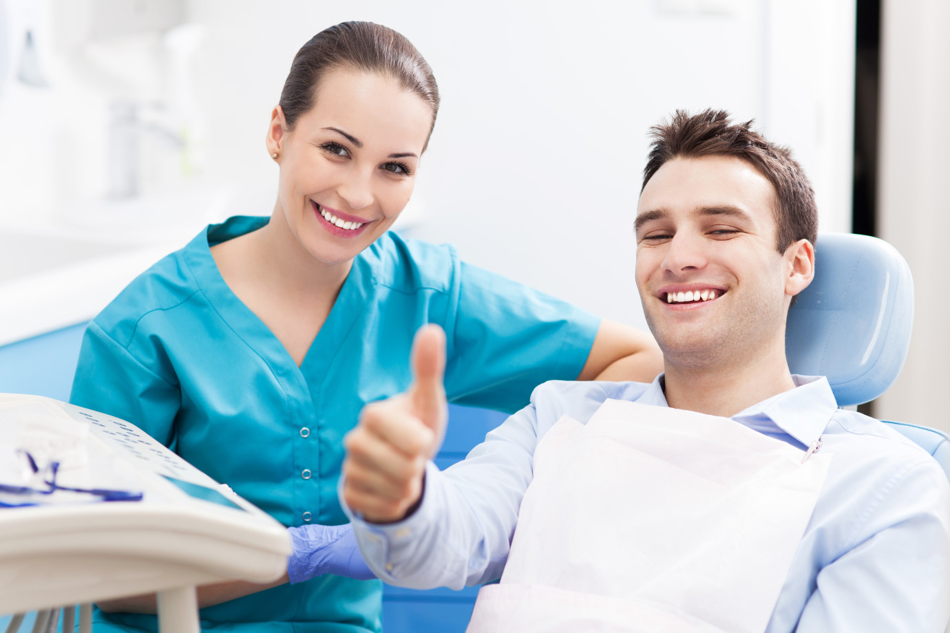 dentist-and-patient-1380x920