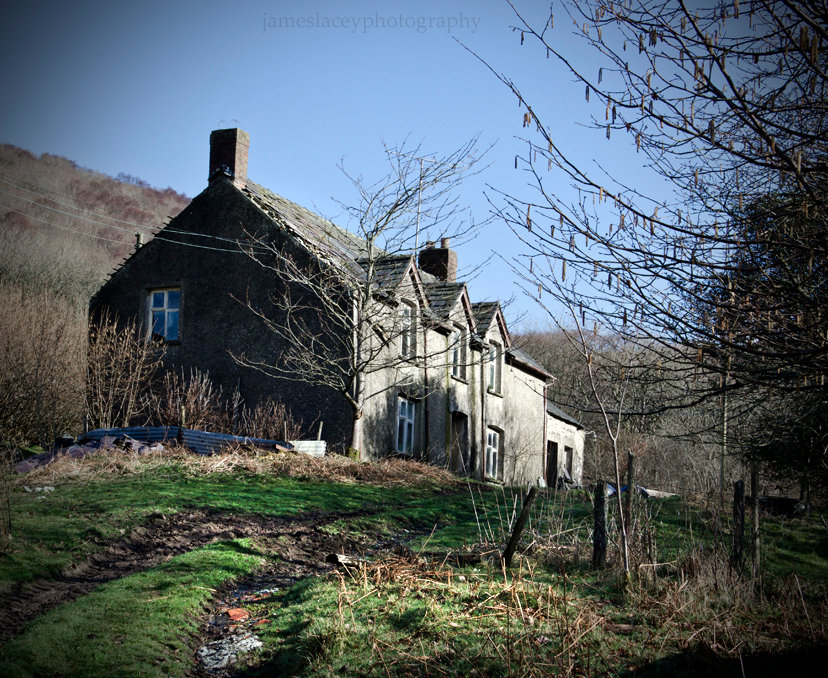 Fox Manor Wales, Urbex, Abandoned, Derelict photography