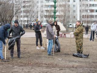 Вице-спикер омского горсовета Андрей Ткачук принял участие в субботнике
