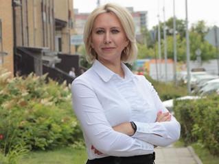 Омский депутат Инна Гомолко наградила участников смотра-конкурса «Омские улицы»
