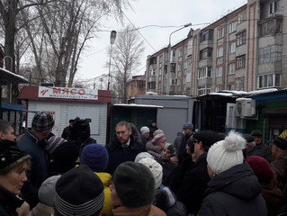 Андрей Ткачук помогает решить судьбу мини-рынка на Старой Московке