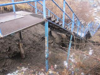 «Оплот» начал суд с чиновниками, чтобы добиться ремонта смертельно опасной лестницы у Фрунзенского м