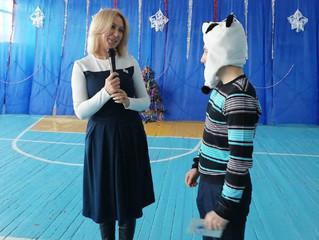 Депутат Инна Гомолко вручила депутатскую стипендию ученику в Николаевке