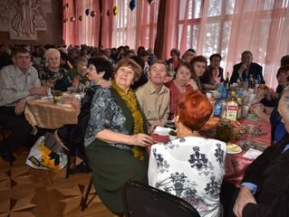 Юрий Козловский поздравил ветеранов ПАО «Омскшина» с наступающим Новым годом