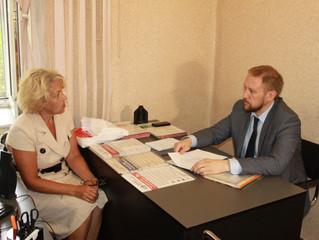 """Председатель """"Оплота"""" А.Н. Ткачук ведет личный прием граждан."""