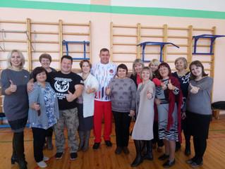 По инициативе депутата Инны Гомолко в омской школе провели спортивные соревнования и акции