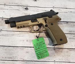 Sig P226 Combat.jpg