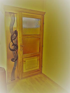 Dubové dveře s houslouvým kličem
