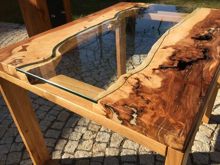 Stůl se sklem - třešeň a dub