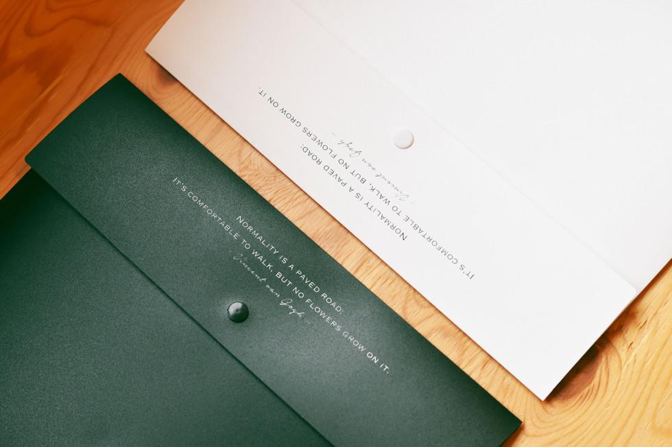 Desk-one Folder Design