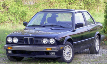 A photo of the original E30 BMW, before being transformed into a rally car.
