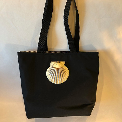 Small Tote with scallop Shell