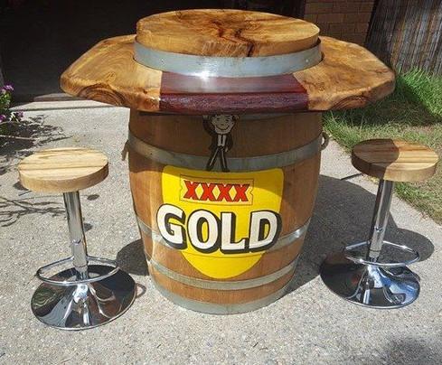 Esky Barrel Bar w/ Logo