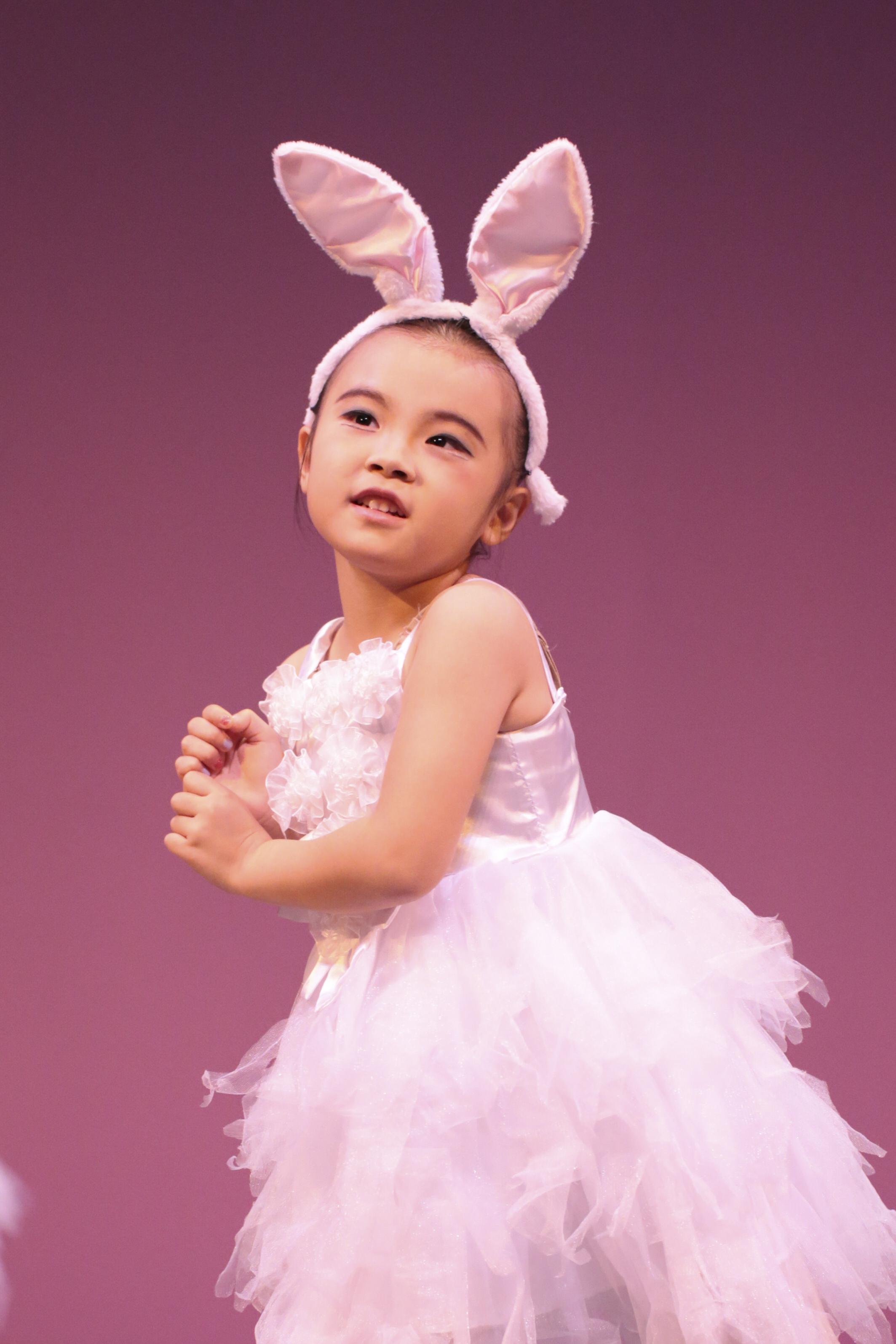 土曜日モダンバレエ幼稚園クラス(さとううさぎのダンス)