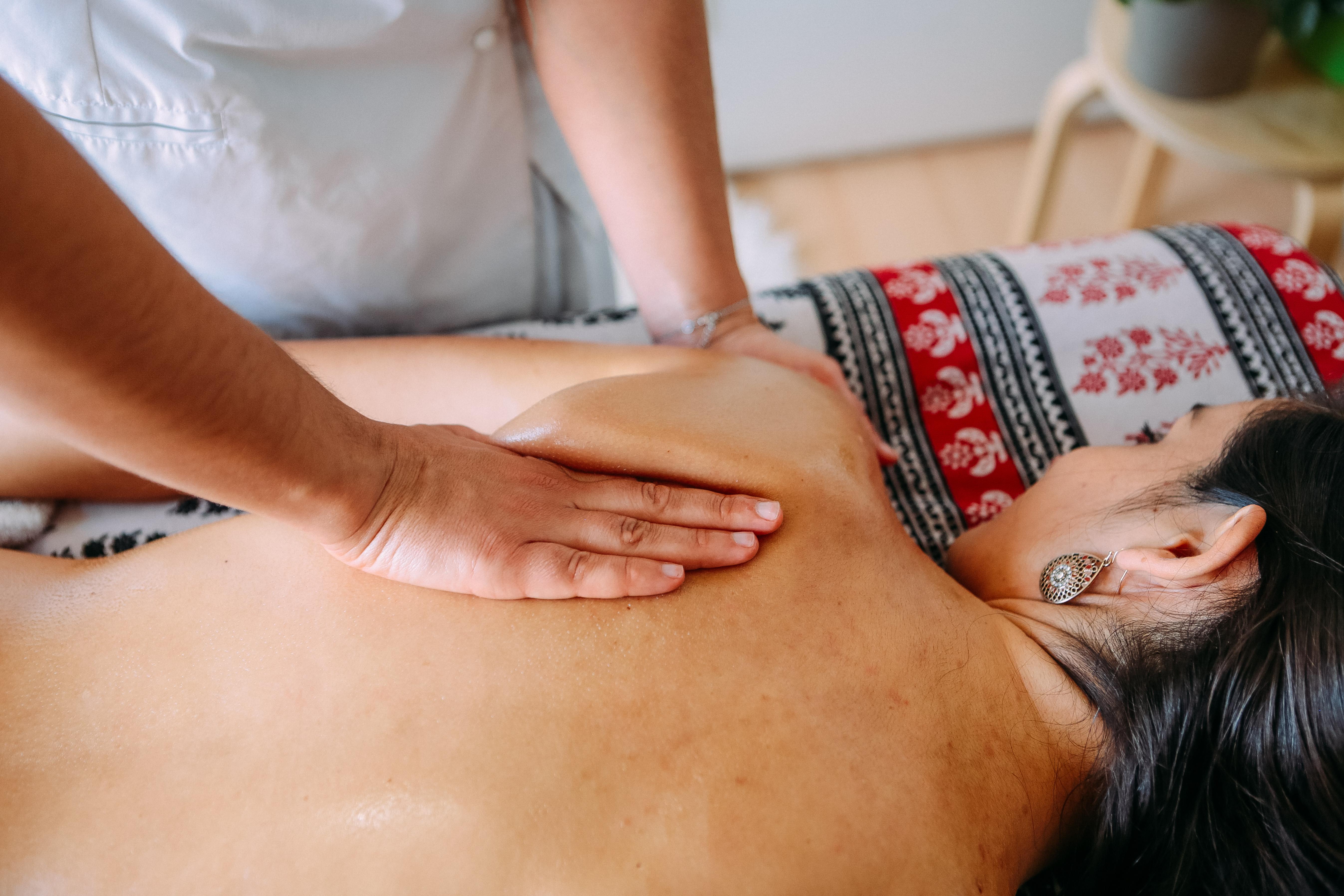 Massagem Terapêutica Costas