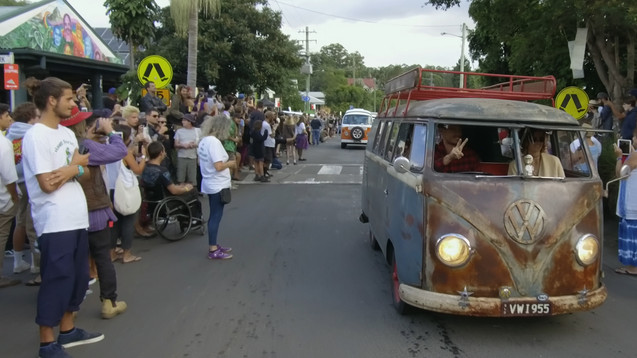 VW Parade through Nimbin, 2018 Mardigras