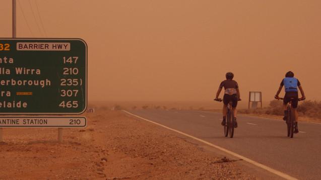 Dust storm heading to Adelaide.jpg