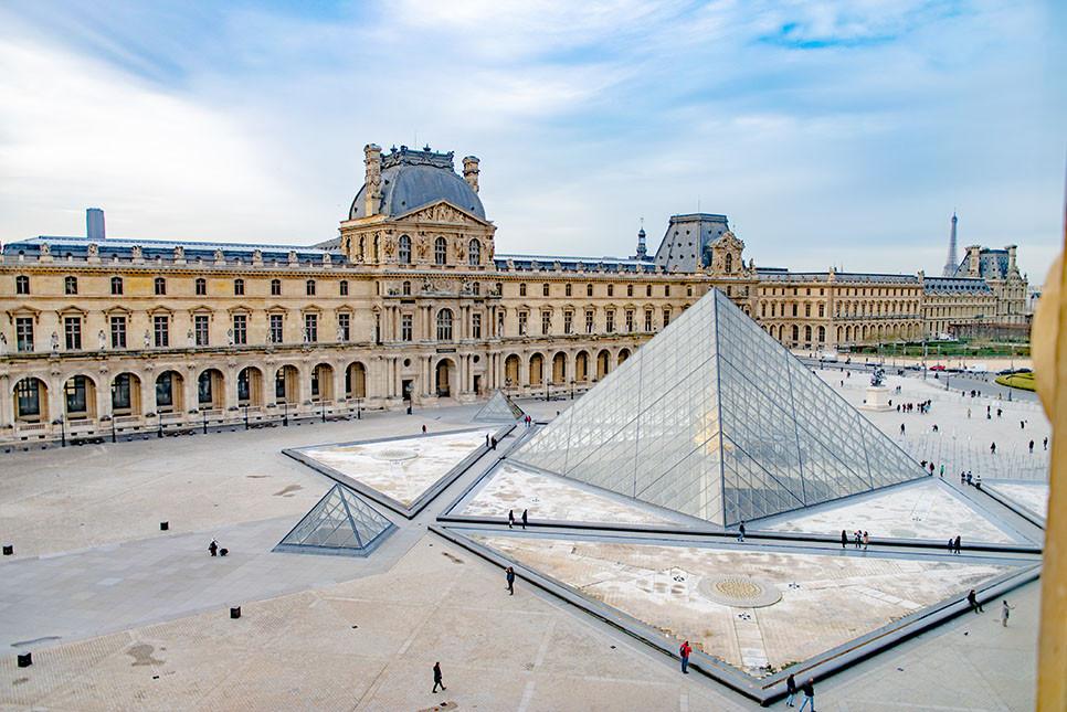 파리 루브르박물관