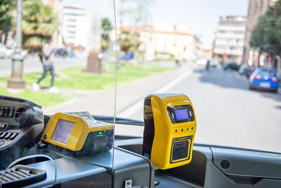 이탈리아여행 버스 펀칭 검표원