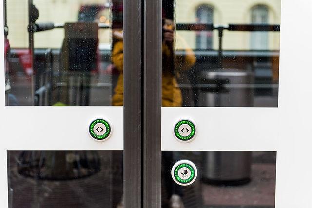 스위스 대중교통 버스 버튼