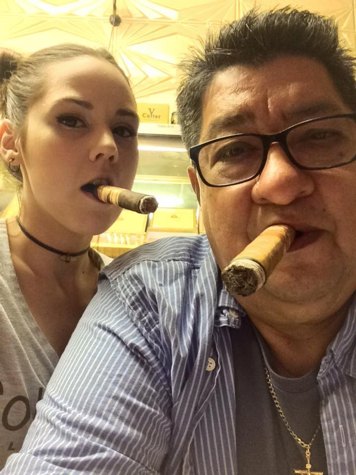 Cigar girl Kelly and Ralph (Owner)