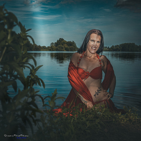 Lady in a Lake Photo Shoot