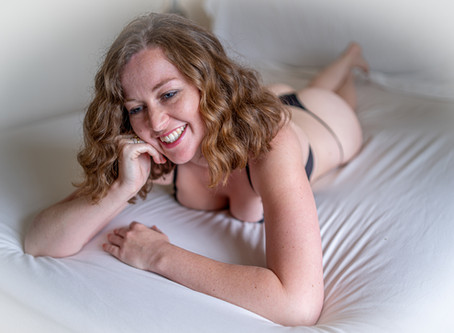Wonderful Boudoir Photo Shoot with Amy