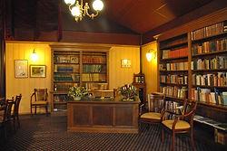 Dickens Room 079.jpg