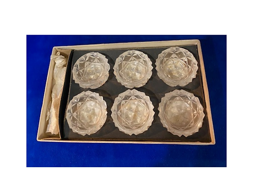 Boxedset of 6 pressed glass salts
