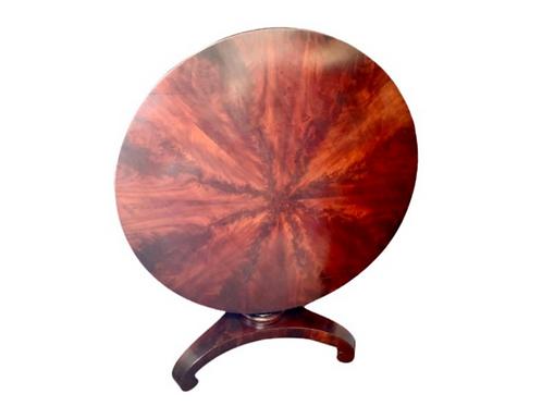 Classical mahogany Loo tilt – top center table