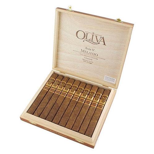Oliva Serie V Melanio Chruchill