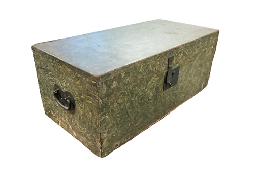 New England paint decorated flat top box