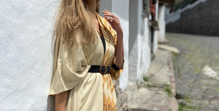 Macana Poncho combined natural and gold tones