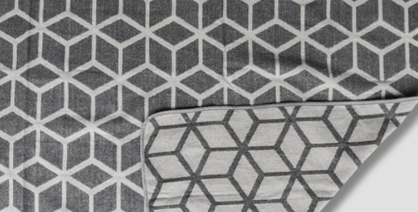 BLANKET CUBIC - GRAY WHITE